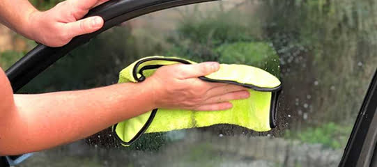 cleaning the inside of car windows